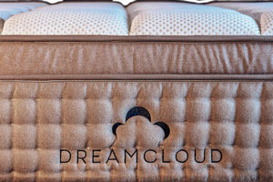dreamcloud-mattress-front